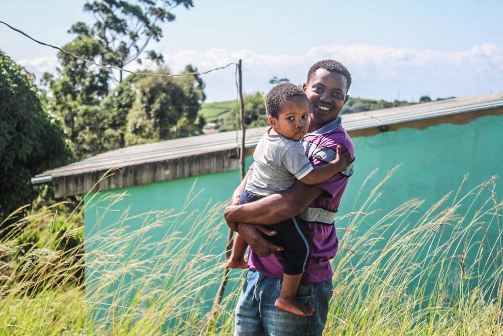 photo of Njabulo Songo and his son, Unathi
