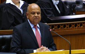 Photo of Minister Gordhan delivering the MTBPS to Parliament on 26 October